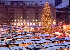 Den Striezelmarkt in Dresden mit unserem Adventsarrangement inkl. An- und Abreise, Hotel und Semperoper Besuch erleben